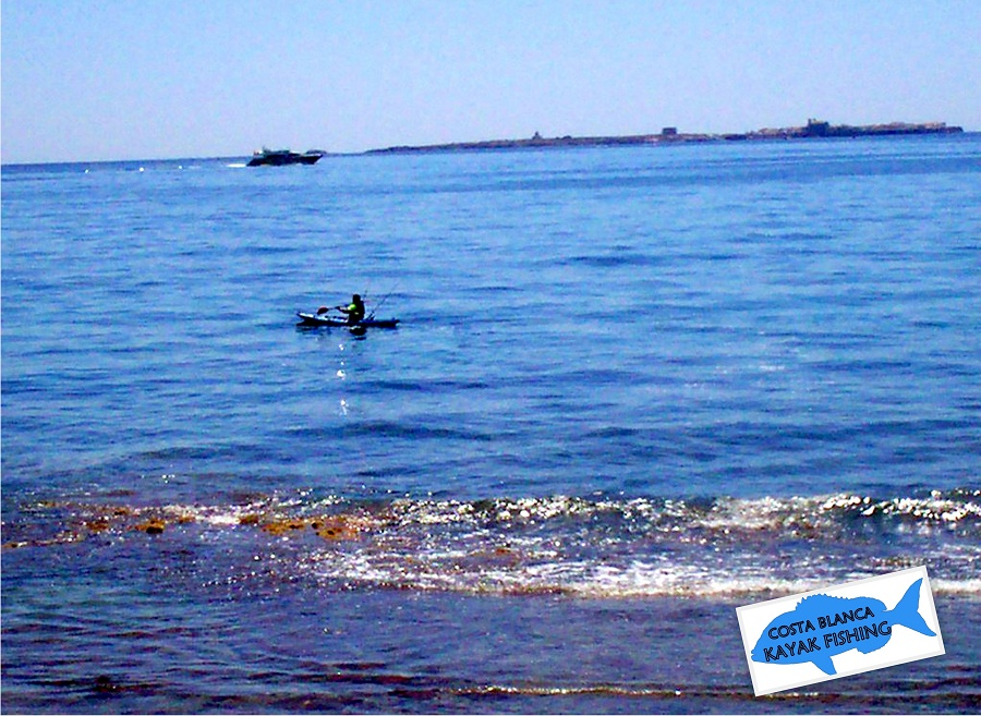 Disfrutando-con-la-pesca-con-kayak