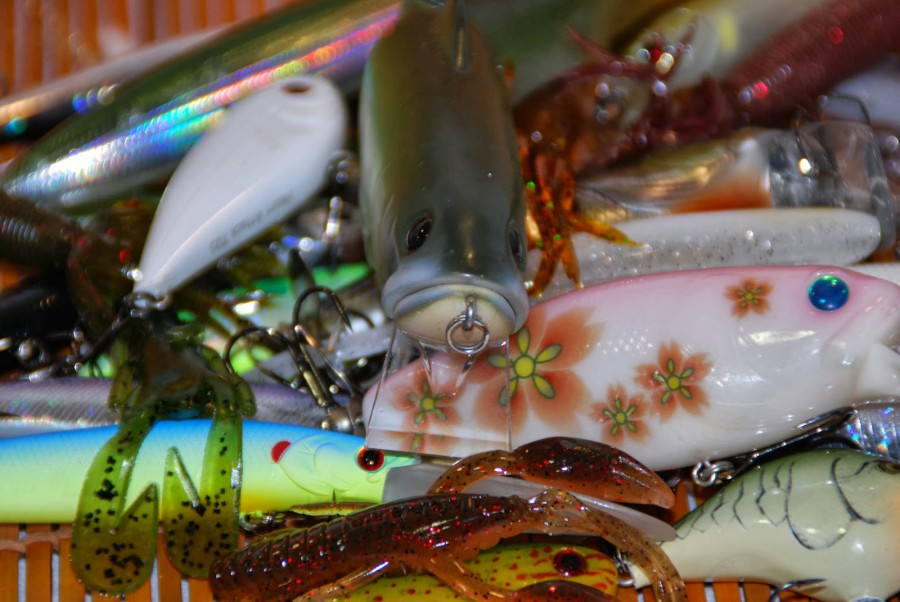 color fantasia en los señuelos para la pesca del black bass