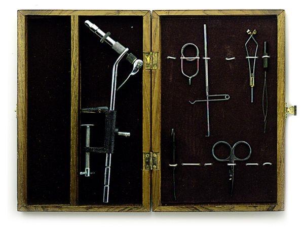 kit-montaje-mosca-en-caja-madera