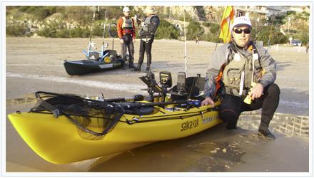 Kayak de pesca con accesorios