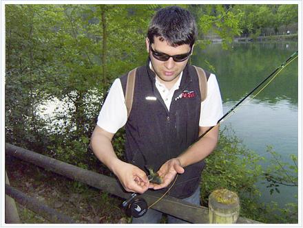El modesto tamaño de muchas capturas se ve compensado por la belleza de su librea y las numerosas picadas, lo cual hace de ésta una técnica sumamente dinámica