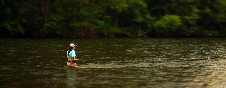 ¿Mujeres que practican la pesca y la competición?