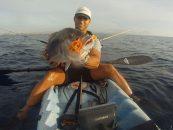 Jaimito y un dentón de 4,9kg a jigging desde kayak de pesca