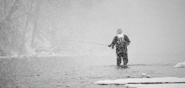 Pesca a mosca en la nieve. Foto de http://www.flickr.com/photos/luke_c_photography/5343464652/