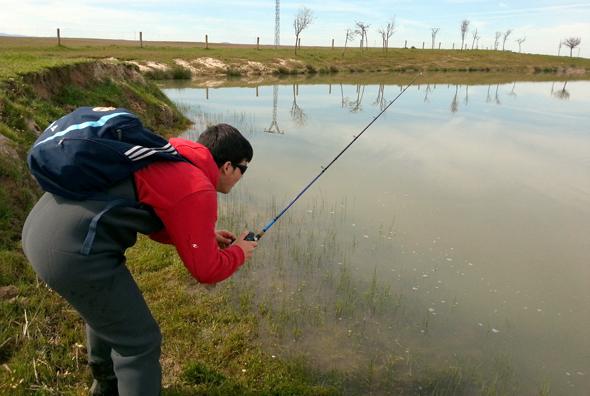 Alejandro Hernández practica la pesca a pez visto