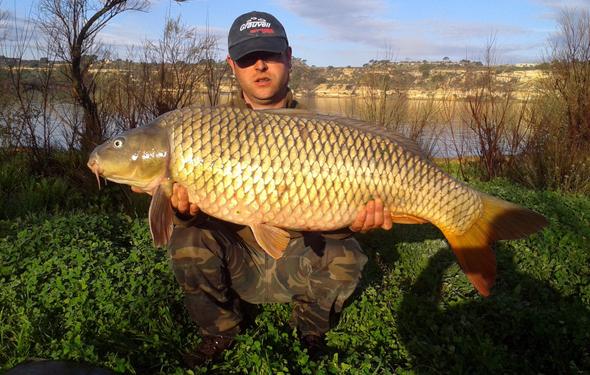 Javier Ogayas es uno de los ganadores de nuestro concurso de fotos de pesca en Facebook.