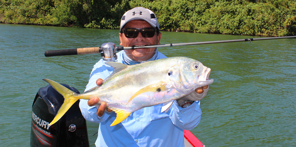 Paco Marroquín nos da algún consejo para pescar jurel en la costa de México.