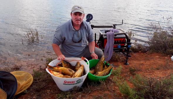 Josan Illescas nos da algunos consejos para pescar carpas en el pantano de Alarcón.