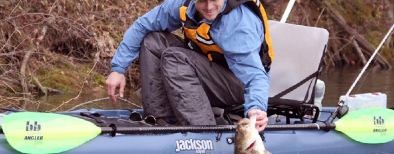 Máxima estabilidad a bordo de tu kayak de pesca