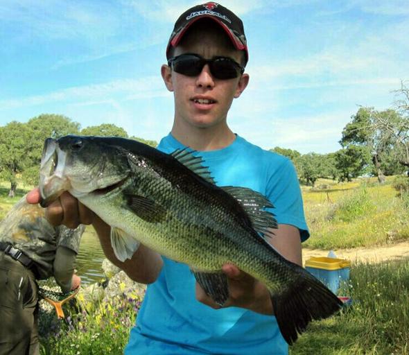 Blas Retamar, ganador del concurso de fotos de pesca El PeZcador de la semana.