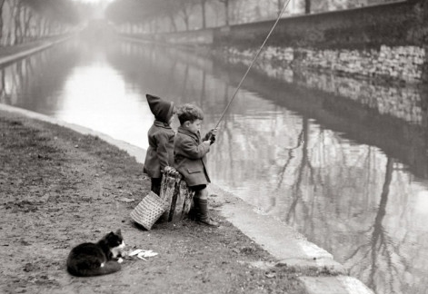 Niños y pesca. Razones por las que iniciar a los niños en la pesca deportiva. Foto vía allposters.com