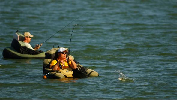 Pesca desde pato. Foto de Larry Bozka