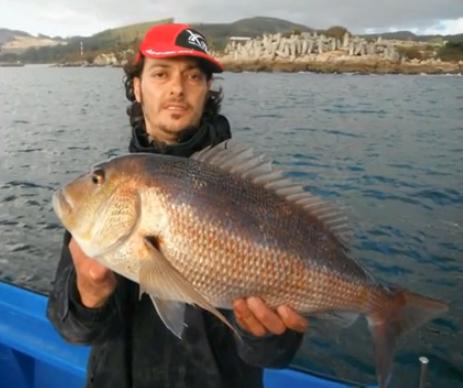 Vídeo de pesca: una jornada de spinning con Uxío Lures