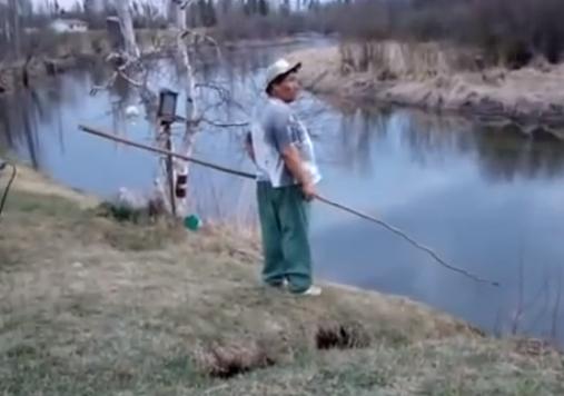 Humor peZcalero: el tropiezo del pescador