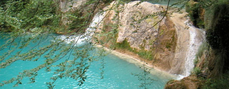 Pesca en el embalse de Alloz, río Salado y sierra de Urbasa