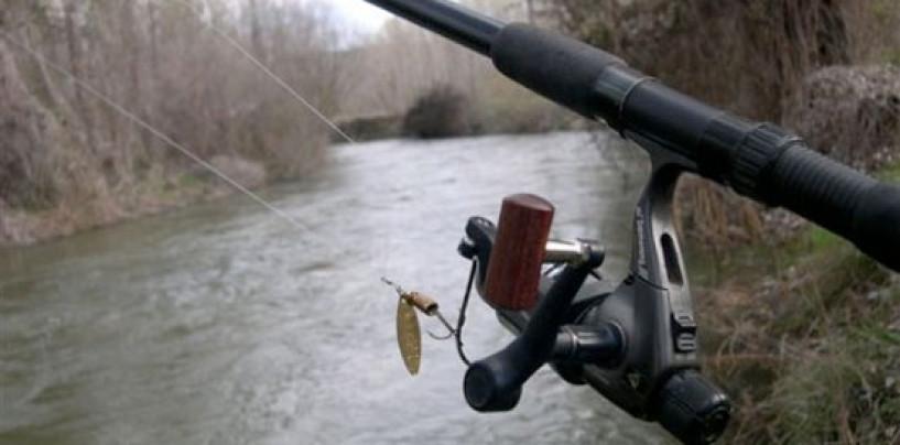 5 técnicas de pesca con Cucharilla muy eficientes