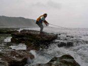 El pescador y la captura, una adhesión inquebrantable