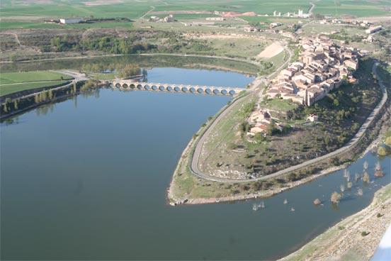 La pesca en el embalse de Linares del Arroyo