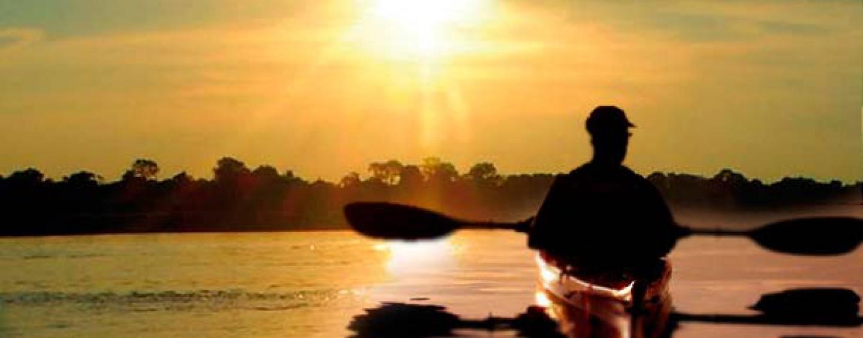 La pala de kayak de pesca, imprescindible