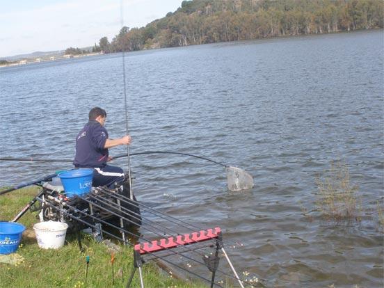 Pescando en el Embalse de Valuengo