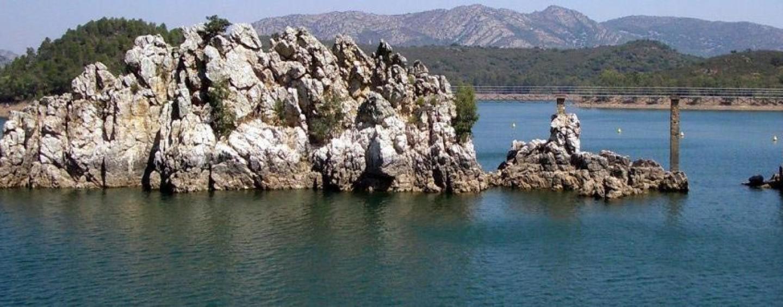 """Pesca en el Embalse de García de Sola, el """"tapado"""" del Guadiana"""