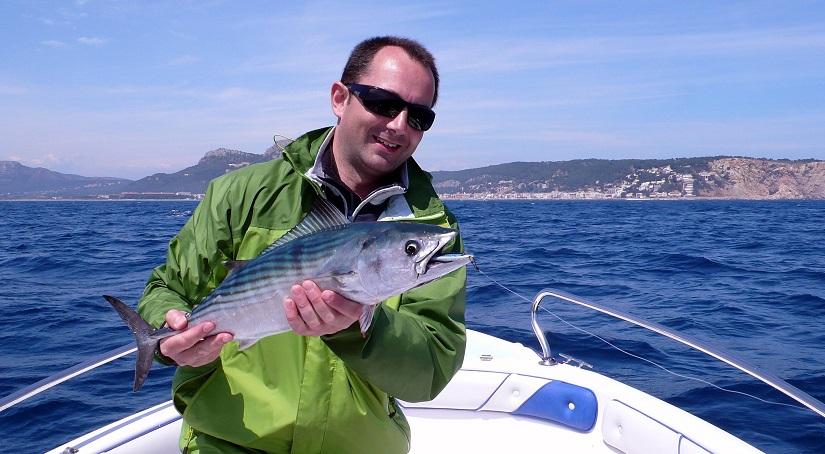 Pescando bonitos a spining