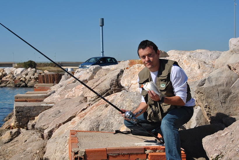 practicando rock fishing ligero