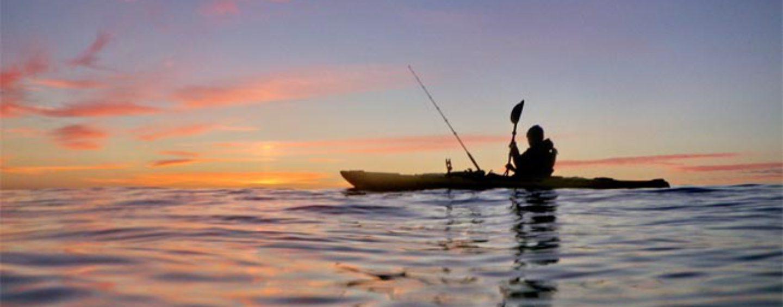 Hacia una ley nacional que regule la pesca desde kayak