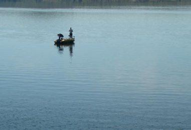 Pesca vertical con cucharillas: Cuando lucios y luciopercas buscan profundidad