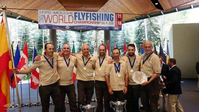 world-fishing-dentro