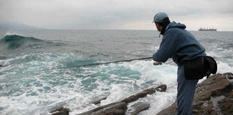Los riesgos en la pesca. Pescador: a pescar, con billete de ida y vuelta, por favor