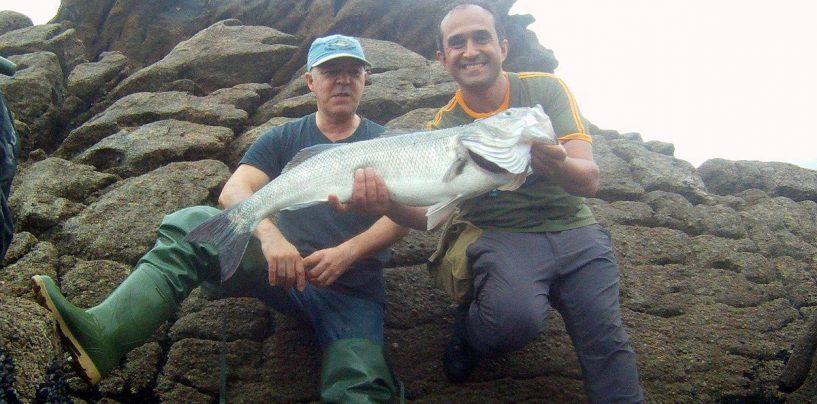 ¿Pescar en compañía o en solitario?: Cuestión de matices