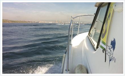Embarcación participante en el Campeonato de España de Embarcación Fondeada de Algeciras
