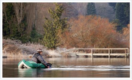 Pesca desde pato. Foto de http://www.flickr.com/photos/mad_dog_aka_big_wave/5664578799/