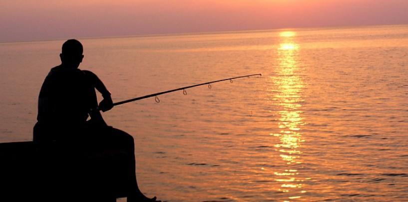 Historia de pescadores ¡Un popper, una lubina y a la tercera va la vencida!