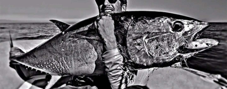 Vídeo de pesca luchando contra los atunes