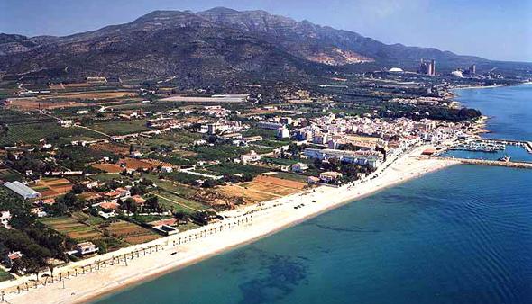 Casas de Alcanar, un lugar perfecto para pescar a surfcasting en Cataluña. Foto vía ornis.cat