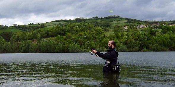El programa de radio de pesca Dial de pesca homenajea a Juan Urrutia.