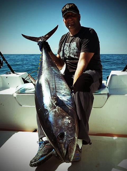 Atún capturado a spinning desde embarcación por uno de los protagonistas del vídeo de pesca de hoy.