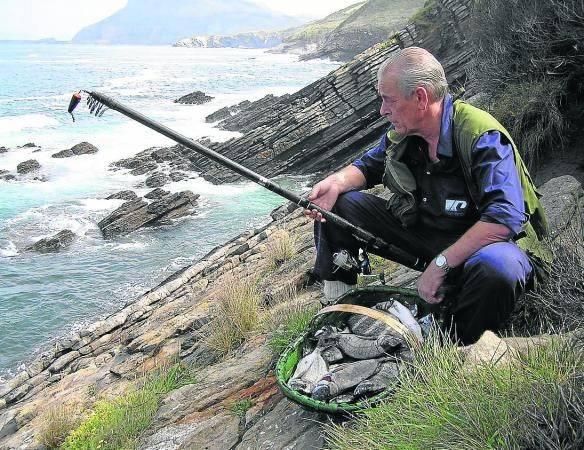 Pesca con corcho en el Cantábrico