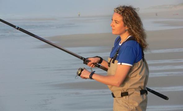 Vídeo de pesca: Sandra de la Fuente, sufcasting en femenino