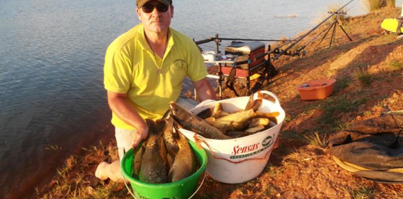 Pesca a la inglesa de carpas para principiantes. Material y cebos