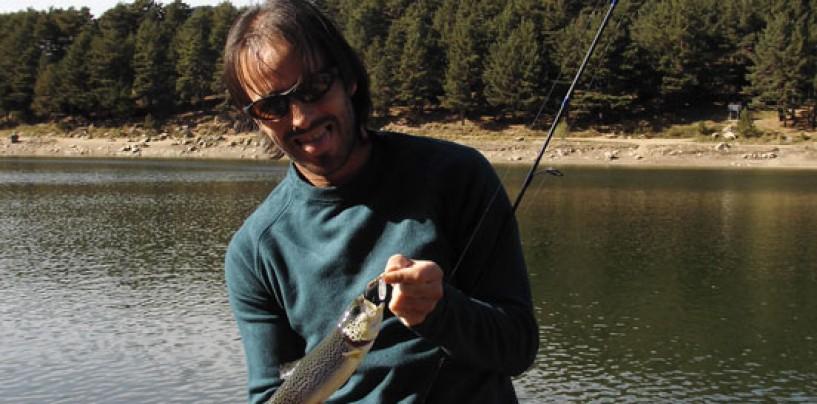¿Qué tiene la pesca de trucha que tanto enamora?