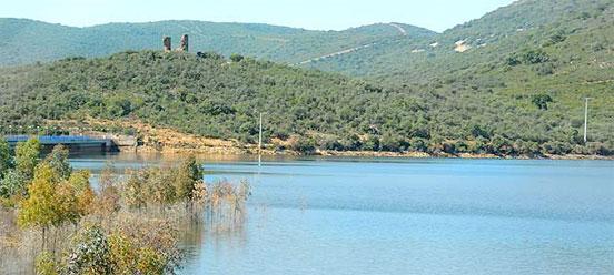 Pescar en el embalse de la Torre de Abraham
