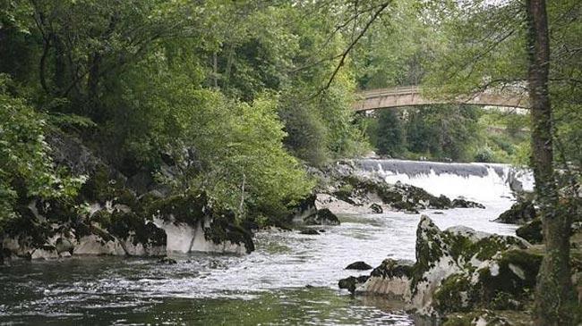 rio-pas-puente-viesgo