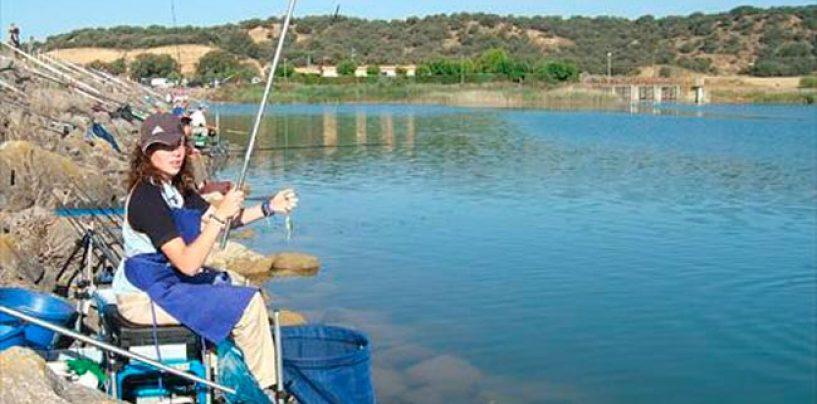 Nuria Mallada, jugadora de la Liga Iberdrola y campeona del mundo de pesca.