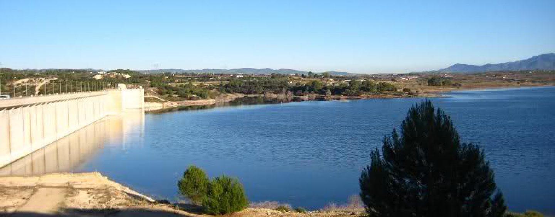 Pesca en el embalse de Bellús, la joya del río Albaida
