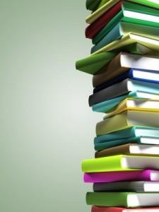 Libros en pilón